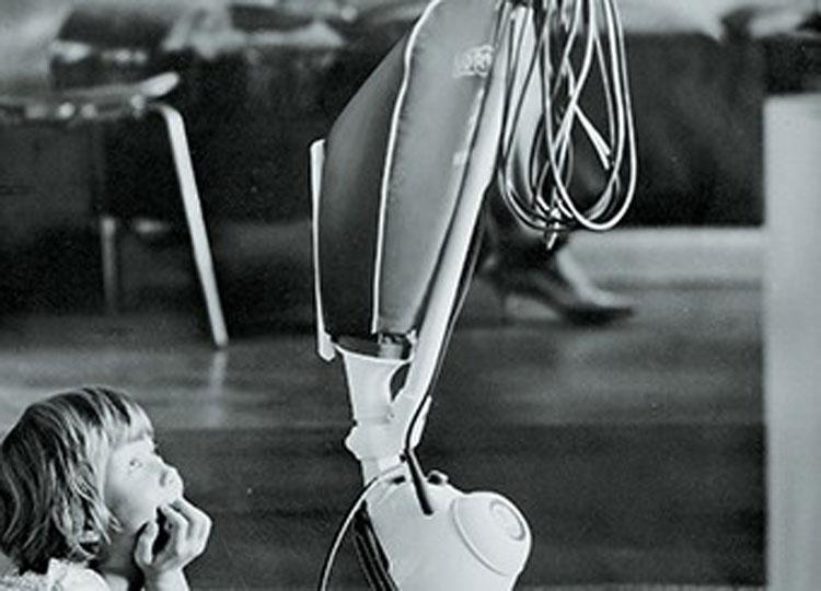 Vorwerk Historie Geschichte Kundenberater Staubsauger Akkusauger Roboter Saugwischer Fensterwischer Filter Allergiker Tiger Kobold l Vertreter Nürnberg Schwabach Fürth Erlangen Franken